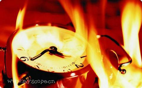 时针上的海水,分针上的火焰